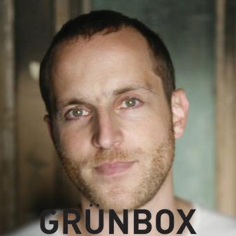 """<a href=""""http://www.facebook.com/leo.grunbaum"""">Grünbox</a>"""